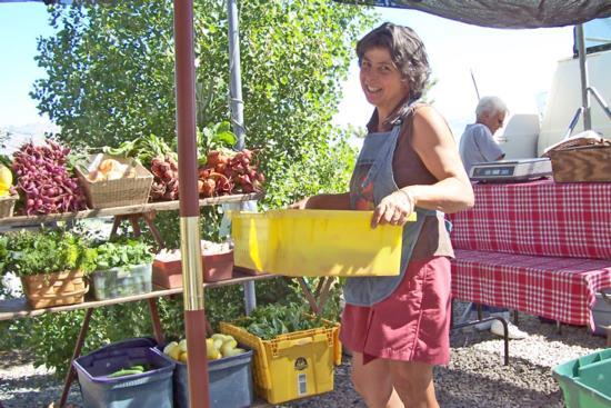22. farmers market1(2)